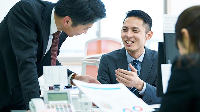 上司と部下の関係を築くコミュニケーションの取り方について紹介!